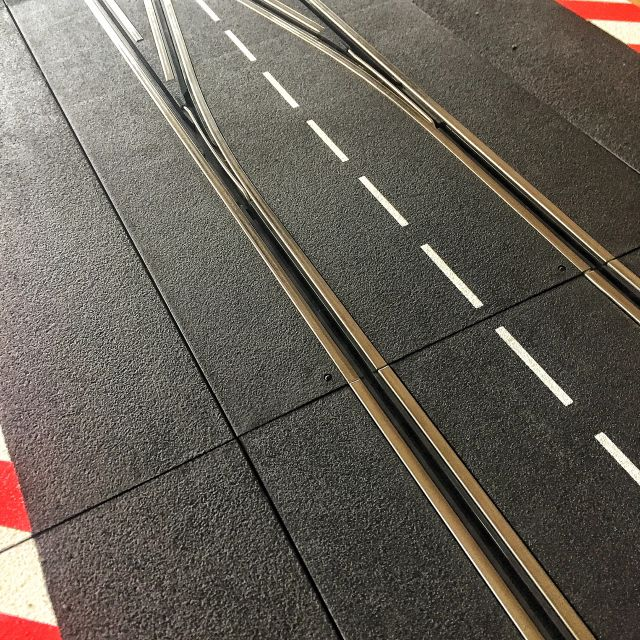 Carrera Digital Weichen AKS